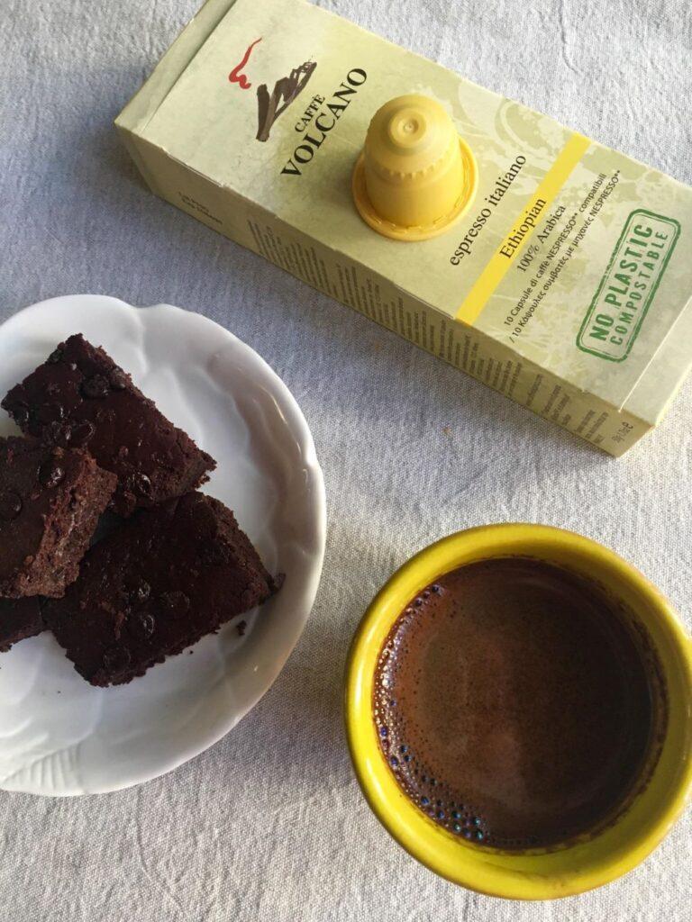 Μπράουνις, καφές και κάψουλες καφέ